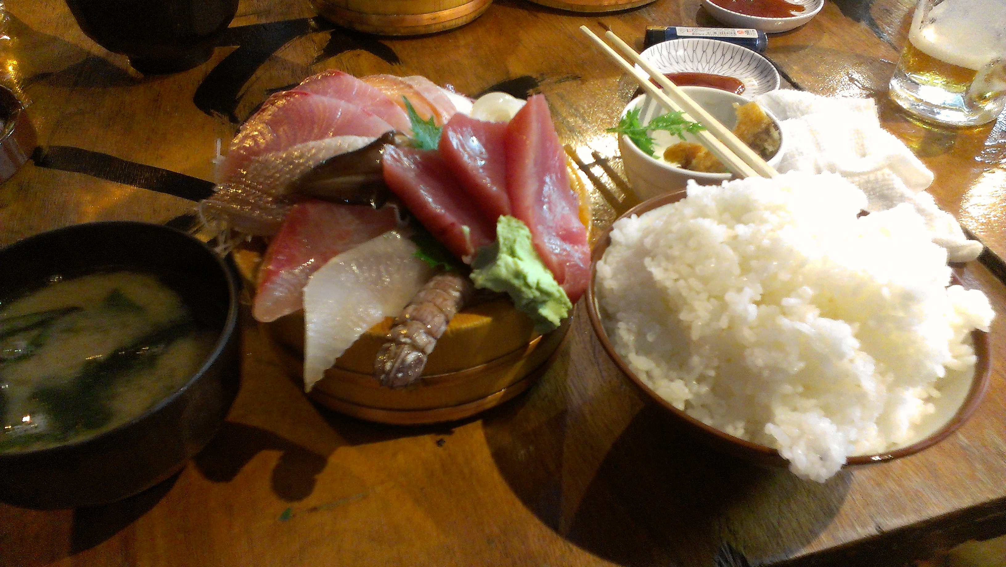 タカマル鮮魚店の海鮮丼は美味い、けれど……